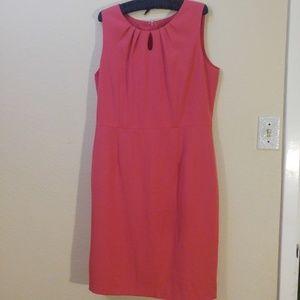 Pink sheath sleeveless dress with keyhole front